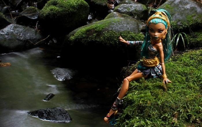 Можно ли в России купить базовую куклу Нефера де Нил?