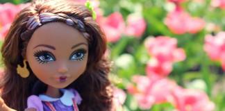 Базовая кукла Кедра Вуд.