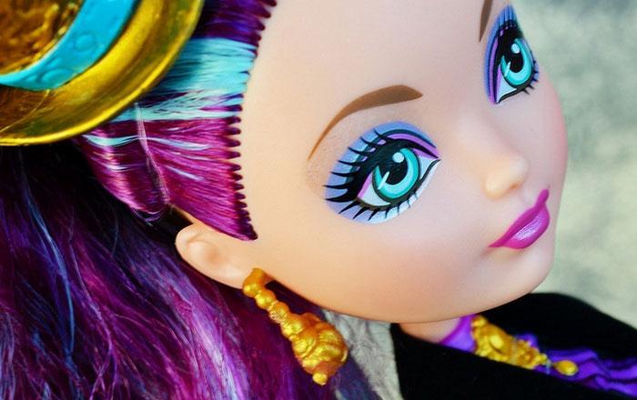 Внешний вид и макияж куклы.