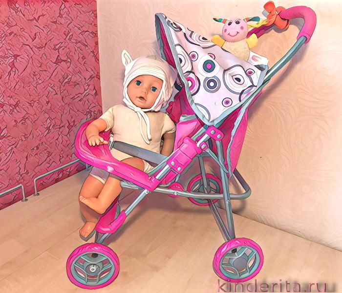 Кукольная коляска — мечта каждой малышки.