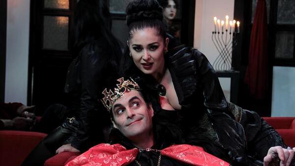 Главный вампир — граф Дракула.