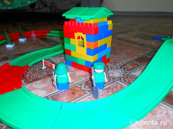 Строительство из кубиков.