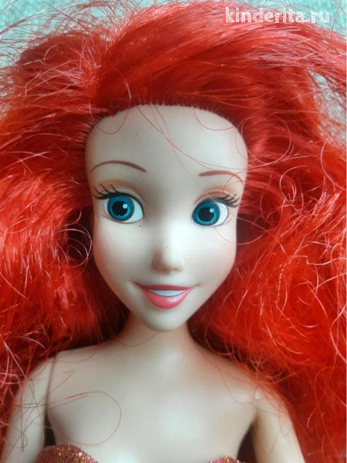 Рыжеволосая красавица.