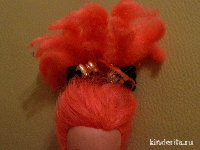 Хвостик из волос.