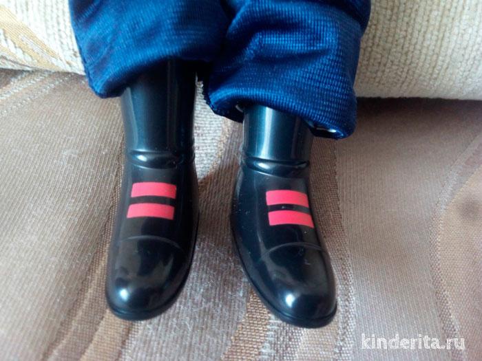 Лаковые ботинки.