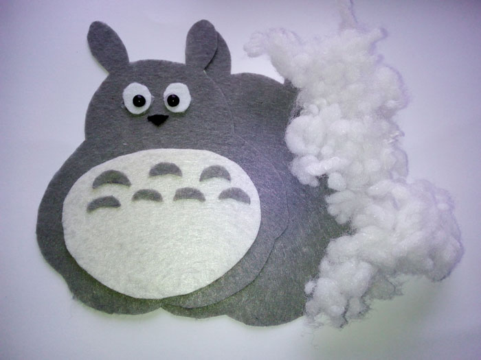 Мягкая игрушка Tonari no Totoro почти готова.