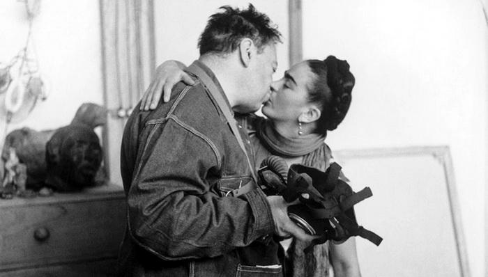 Фрида Кало с мужем Диего Риверой.