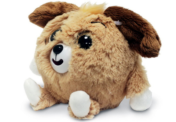 Бежевая собака с блестящими глазами тоже дразнится.