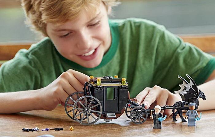Лего 75951 — Фантастические твари и где они обитают.
