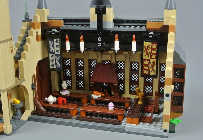 Зал столовая в Хогвартсе.
