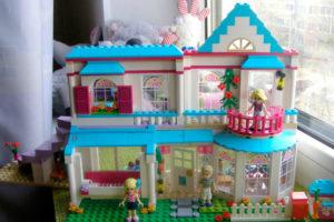 Ася: «LEGO Friends Stephanie's House — дом, милый дом»