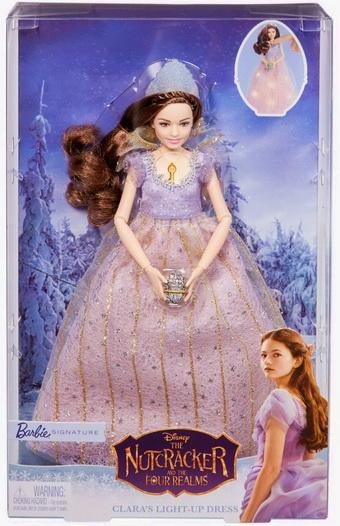 Клара из Щелкунчика в платье с огоньками.