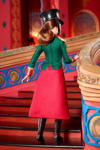 Кукла Клара — вид сзади.