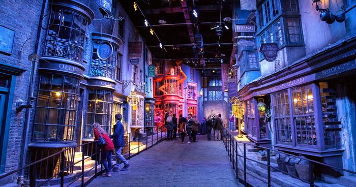 Так выглядит киностудия, где снимали Гарри Поттера.