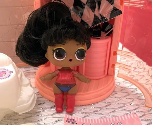 Её Величество кукла ЛОЛ с настоящими волосами.