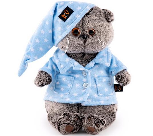 С игрушкой, одетой в пижаму так приятно спать.