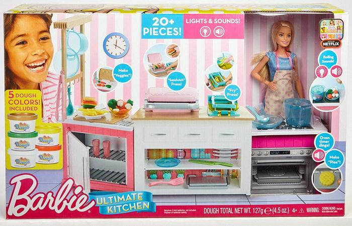 Набор Кухня с куклой Барби.