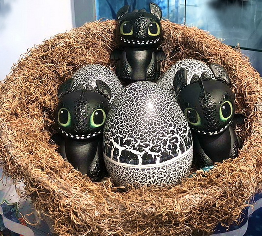 DreamWorks Dragons Hatching Baby Toothless.