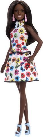 Негритянка в платье в цветочек 106.