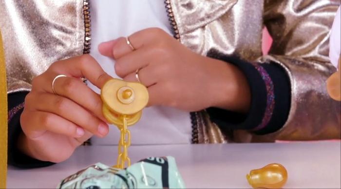 Соска для кукол ЛОЛ в шаре.