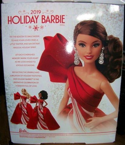 Задняя часть коробки с Barbie.