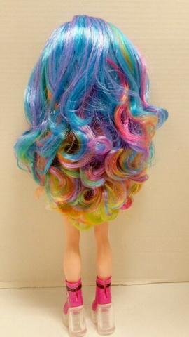 Классные радужные волосы Пупси.