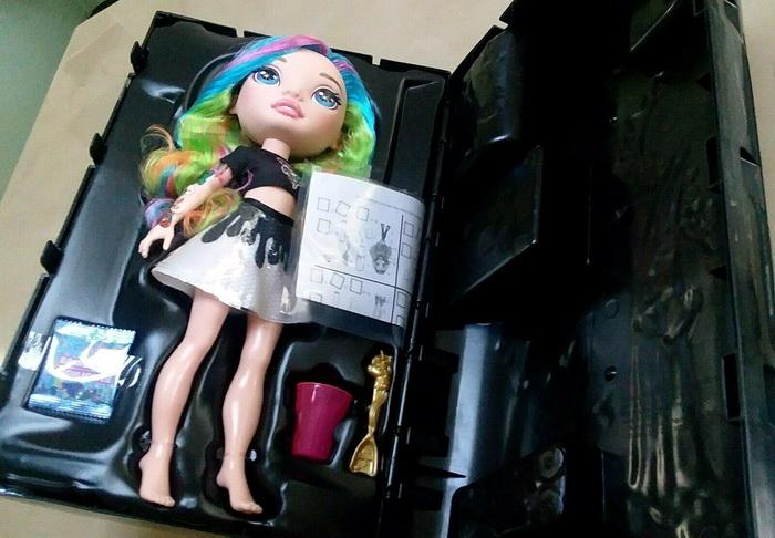Распаковка Радужной куклы Пупси со слаймом.