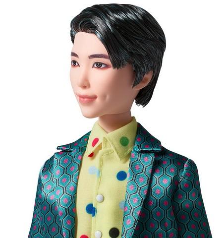 У Кима Намджуна есть ямочка на щеке.