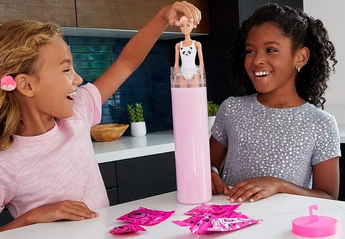 Распаковка сюрпризов от Барби.