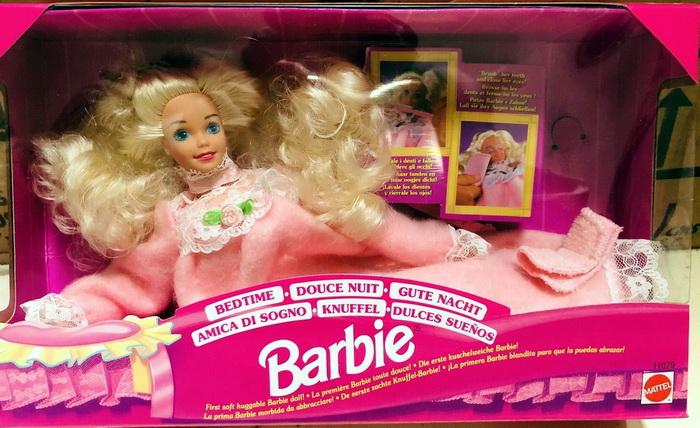 Bedtime Barbie — мягкая кукла Барби.