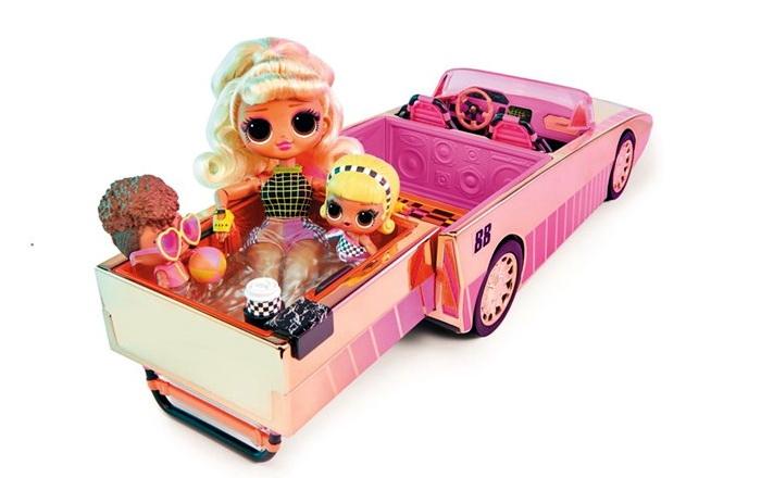 куклы ЛОл в кабриолете с бассейном и танцполом.